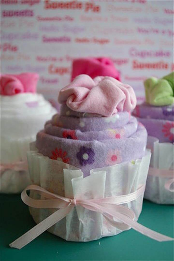 diaper and baby blanket cupcake