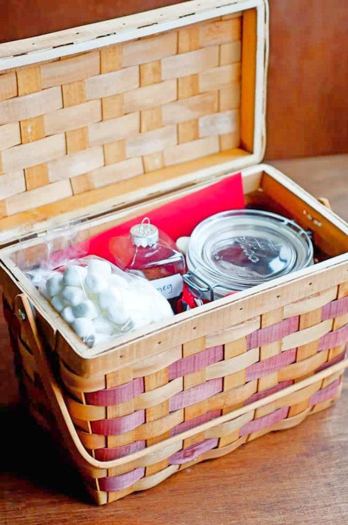 70+ Inexpensive DIY Gift Basket Ideas - DIY Gifts - Page 8 ...