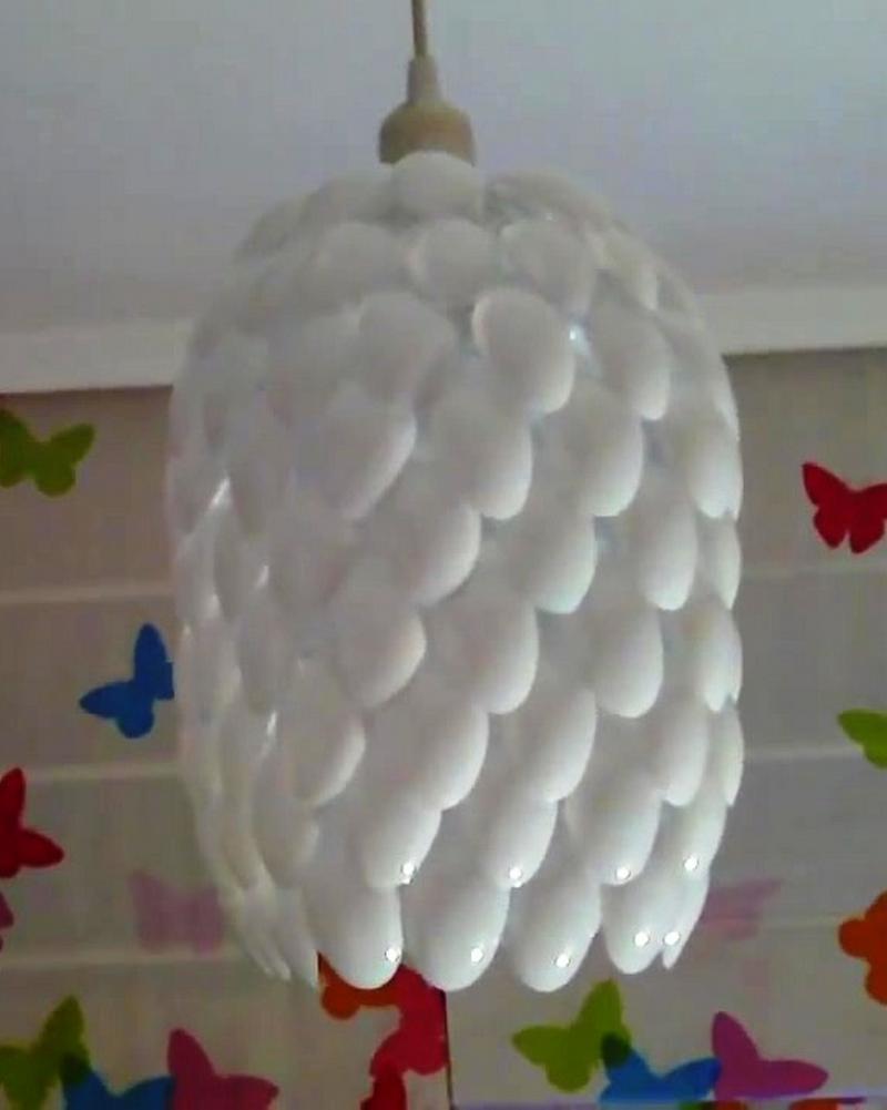 DIY Plastic Spoon Lamp - How to - DIY & Crafts