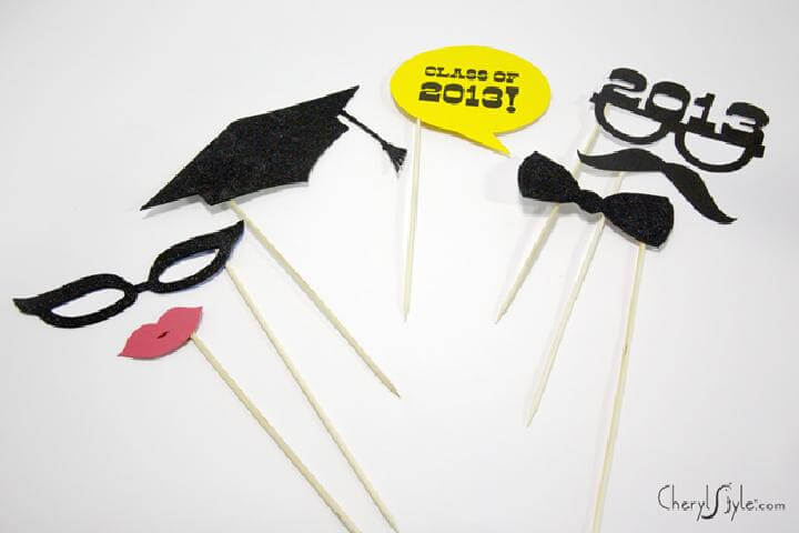 DIY Brilliant Graduation Party Photo Props