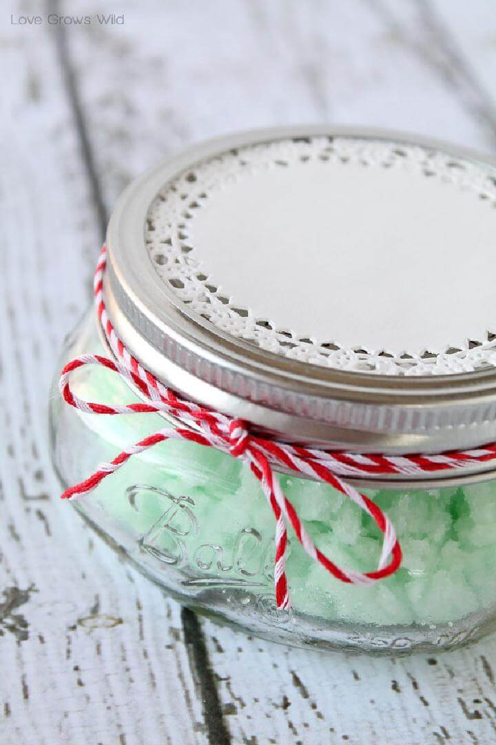DIY Gift-Worthy Mint Sugar Scrub