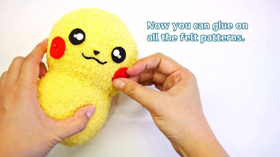 Attach the Felt Chicks Pattern with Glue