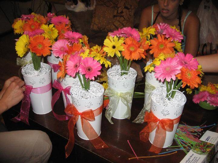 Self-Made DIY Graduation Party Centerpieces