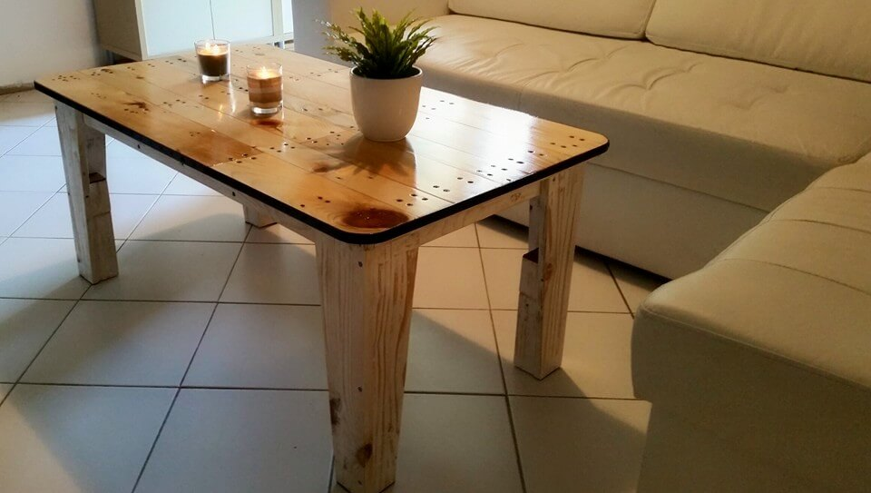 no-cost modern wooden pallet coffee table