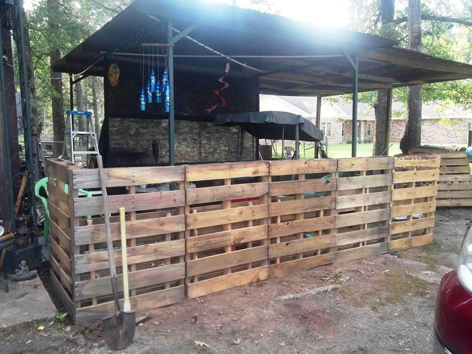wooden pallet fence boundary