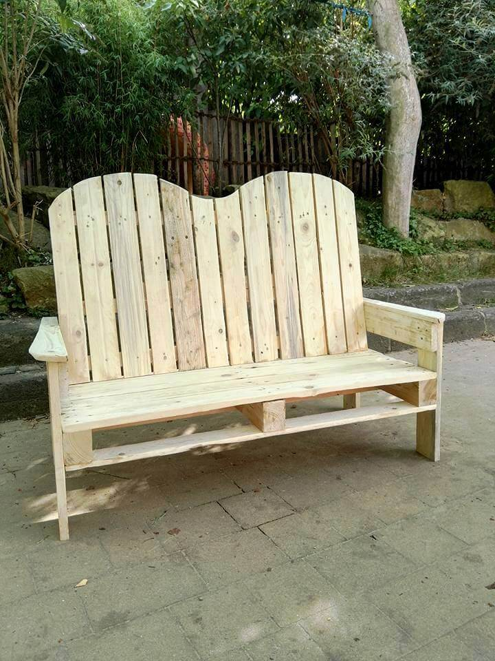 robust wooden pallet patio bench