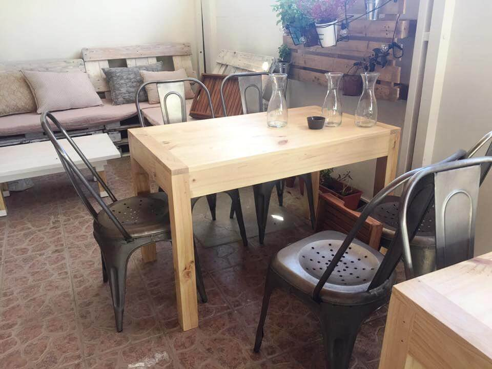 wooden pallet mini dining table