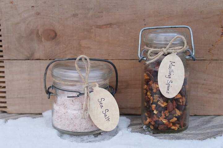 DIY Mason Jar Spices and Salt Gift