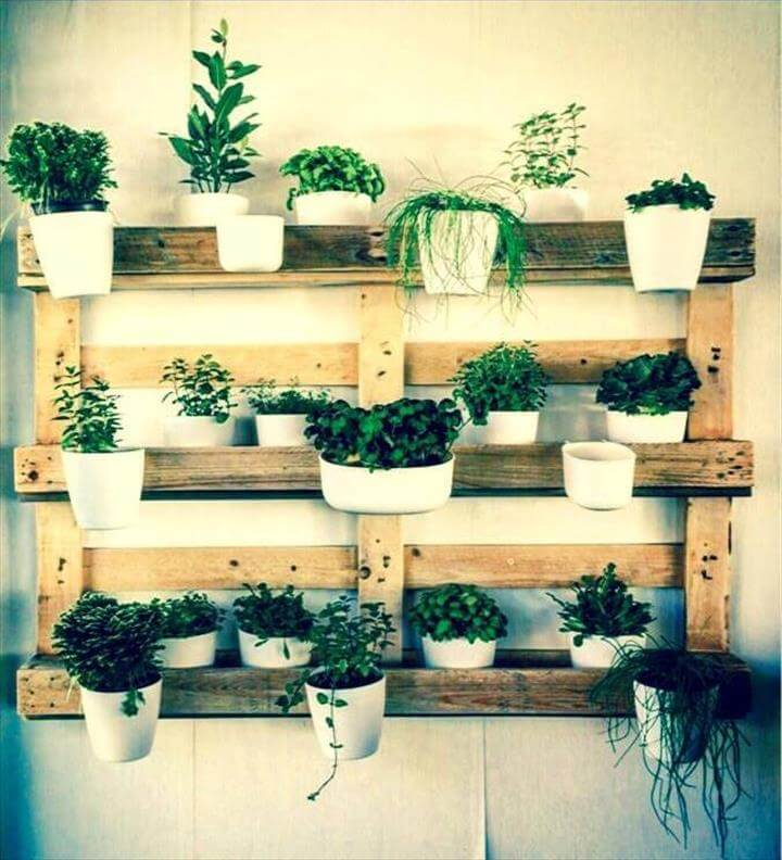 30 pallet ideas creative ways to recycle pallets diy crafts
