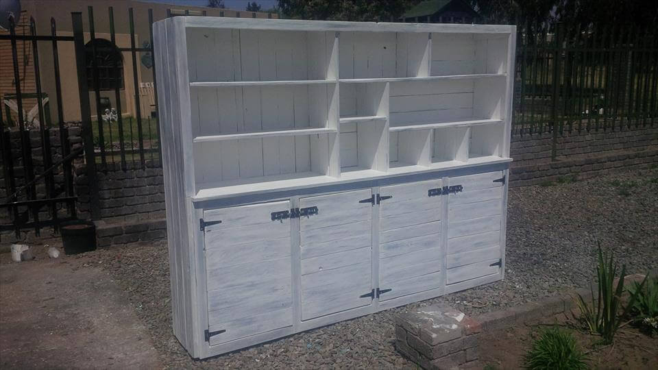 30 pallet ideas creative ways to recycle pallets page for White painted pallets